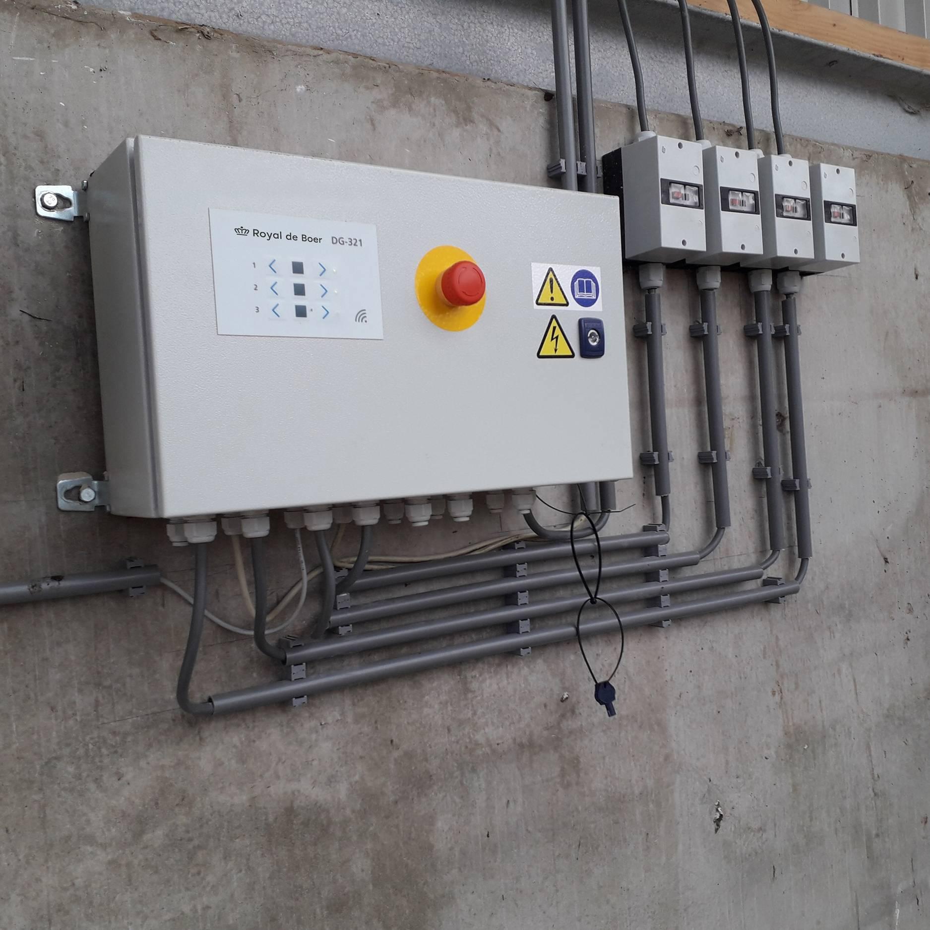 DG-321 control box for manure scrapers